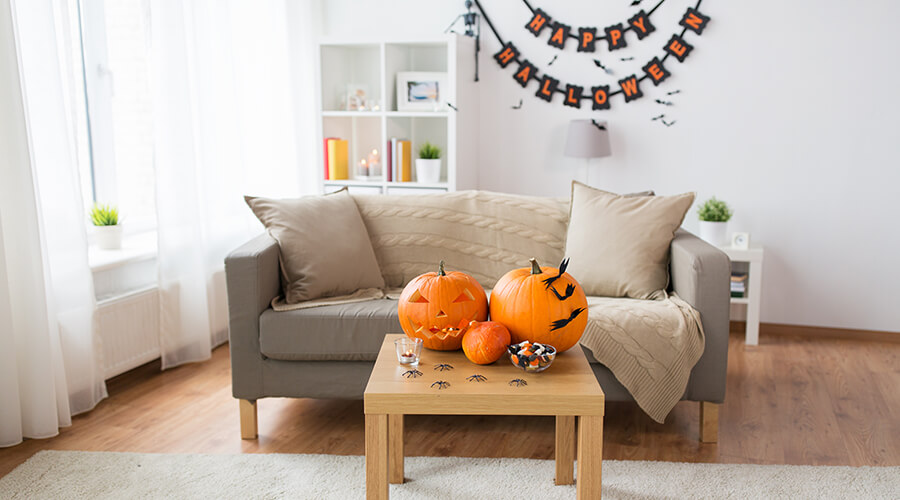 pumpkins on living room table
