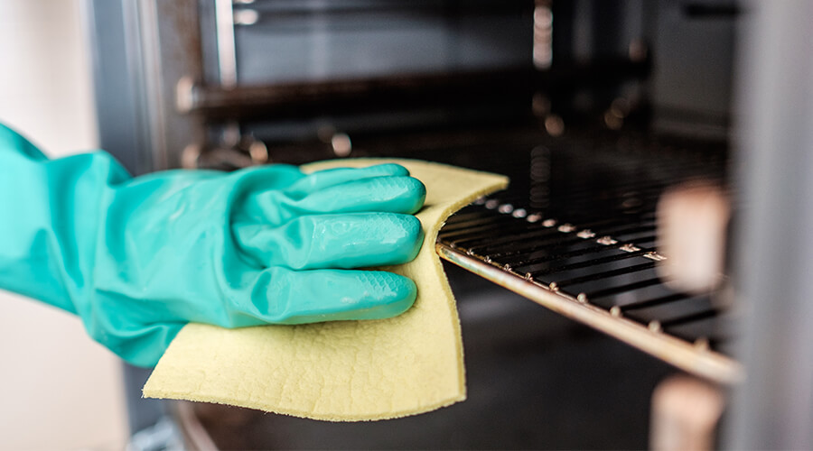 professional oven cleaner